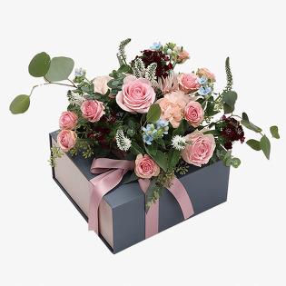 [당일배송] 아띠 (꽃상자, 기념일, 프로포즈, 졸업식, 집들이, 선물, 꽃배달)